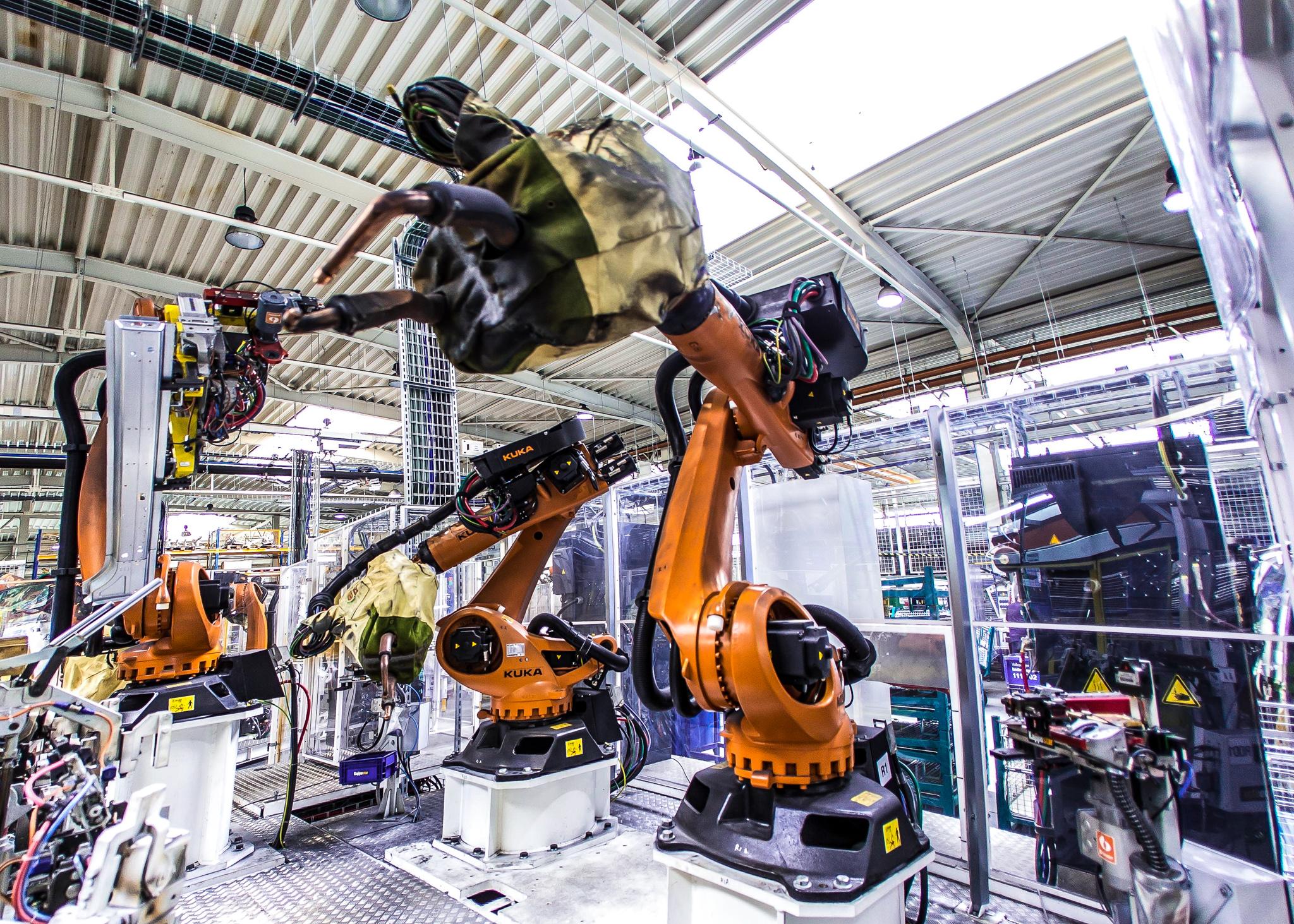 Ilot robotisé de soudure pour VW Tiguan - Snop Pisek